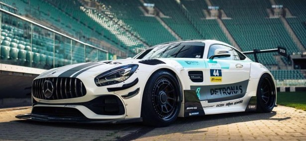 Mercedes Benz AMG GT3 style Wide body kit