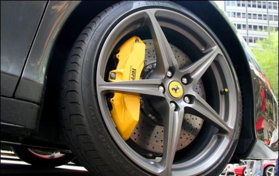 Ferrari 458 Italia/Spider carbon-ceramic brake discs and brake pads